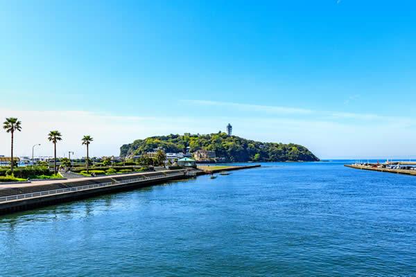 江ノ島と空と海
