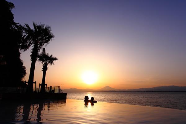 江の島サンセットプール