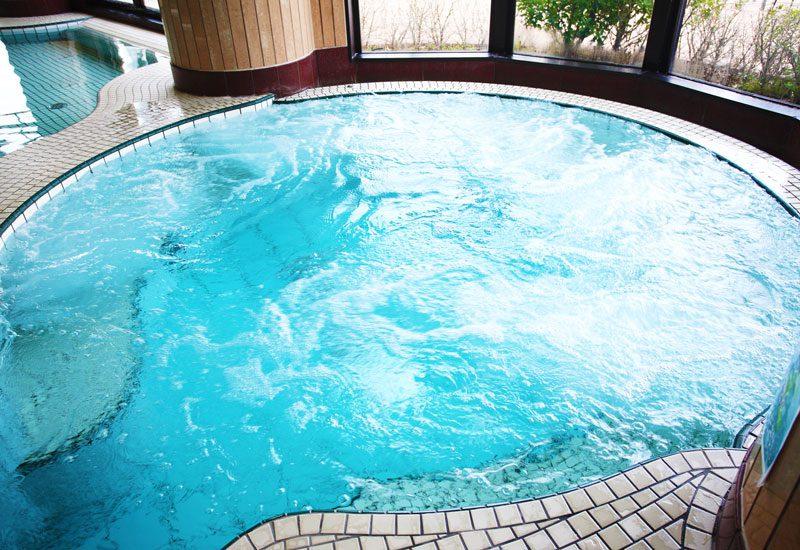 温水スパ 気泡泉